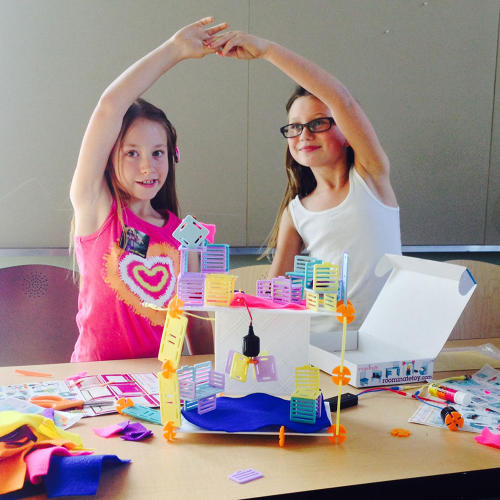 <p>Roominate is a toy that lets girls design and wire their own dollhouse.</p>