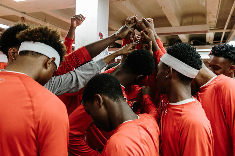 <p>The Cardinals prepare to hit the court.</p>