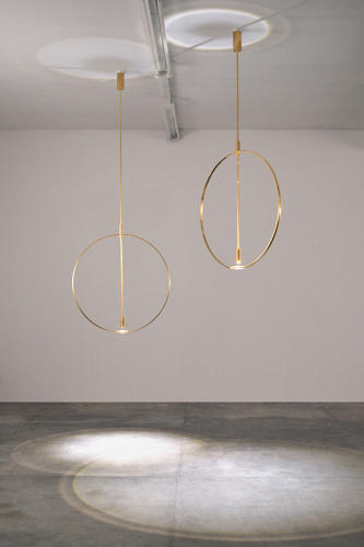 <p><em>Magnifier</em>, 2016<br /> Delta collection <br /> LED, brass, crystal glass, electrical materials</p>