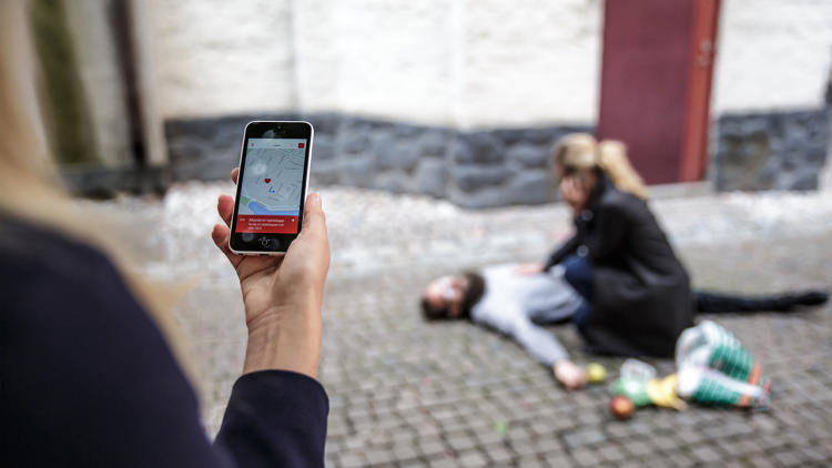 <p>A new app uses GPS to ping a network of thousands of CPR-trained &quot;lifesavers,&quot; locating those nearby.</p>