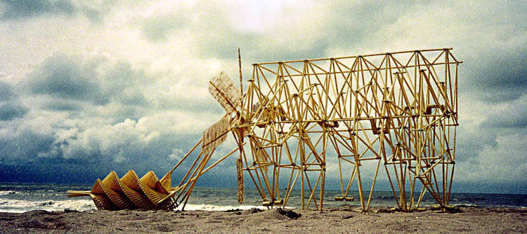 <p>Jansen has been continuously developing and redesigning the Strandbeests since 1990.</p>