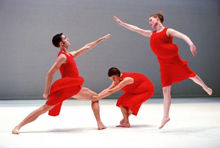 <p>The Merce Cunningham Dance Company performs <em>Scenario </em>wearing costumes designed by Rei Kawakubo. New York, 1997.</p>