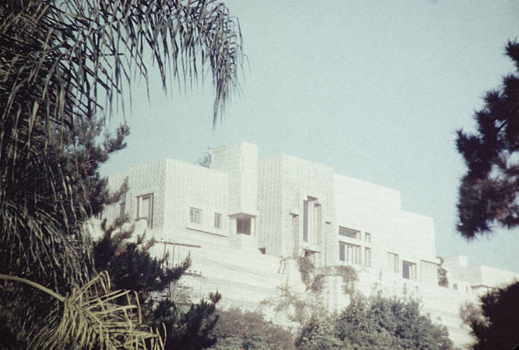 <p>Ennis Residence, Hollywood, Los Angeles, 1923. Architect: Frank Lloyd Wright</p>