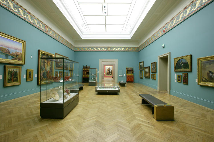 <p>Victorian artworks at Manchester Art Gallery. Paint color: Rosetti Blue, named after the Victorian poet and painter Gabriele Rosetti.</p>