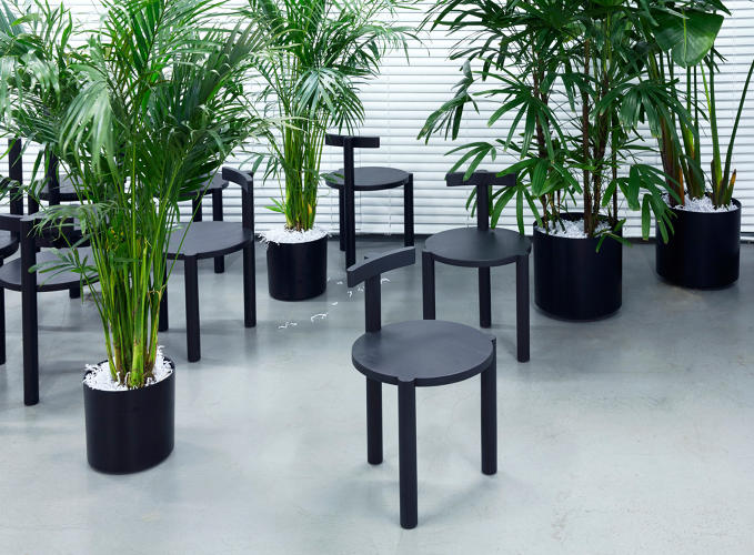 <p>ASH, a New York–based design, development, hotel, and furniture company, recently created an installation for the <a href=&quot;http://collectivedesignfair.com/&quot; target=&quot;_blank&quot;>Collective Design</a> fair.</p>