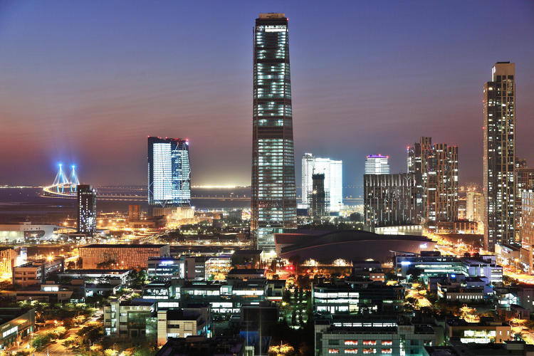 <p>Compared to a city the same size, Songdo emits a third less greenhouse gases.</p>