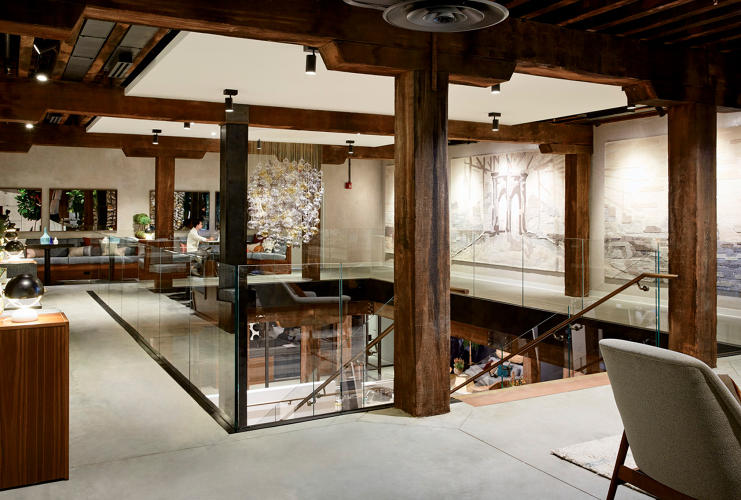 <p>West Elm transformed a watercolor of the Brooklyn Bridge from one of its visual artists into a woven tapestry that speaks to its roots in the borough.</p>