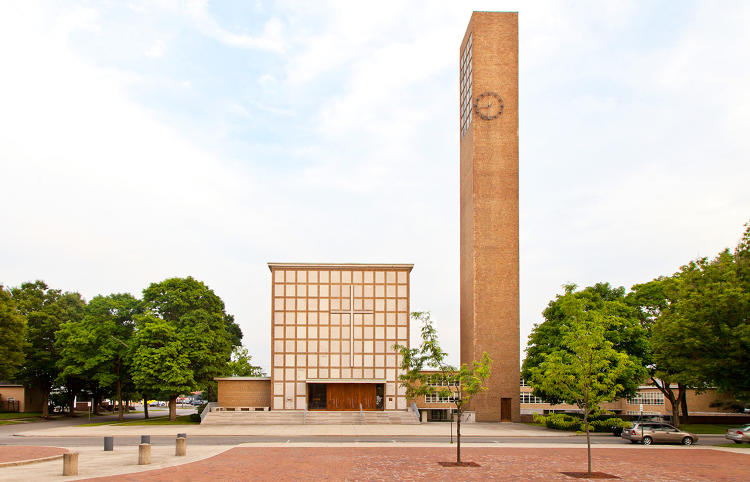 <p>1. First Christian Church by Eliel Saarinen, c. 1942</p>