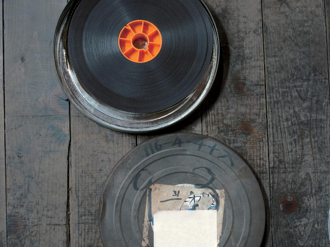<p>Film cans are resistant to shock and rust, and are highly effective at blocking light.</p>