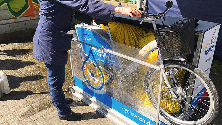 <p>CycleWash was invented in and is made in Germany, and it can clean any bike in five minutes using barely more than a pint of water.</p>