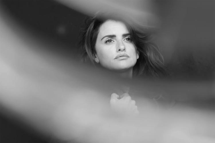 <p>Behind the scenes: <strong>Penelope Cruz</strong></p>