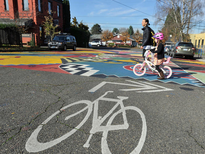 <p>Portland, Oregon's Climate Action plan will see the proportion of citizens traveling primarily by public transport, cycling or walking rise to 50%.</p>