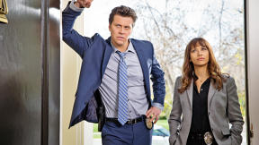 "Rashida Jones On Playing It Straight For Laughs on ""Angie Tribeca"""