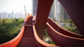 This Chinese Pedestrian Bridge Looks Awesome, Is Less Accessible Than A Bridge For Cars